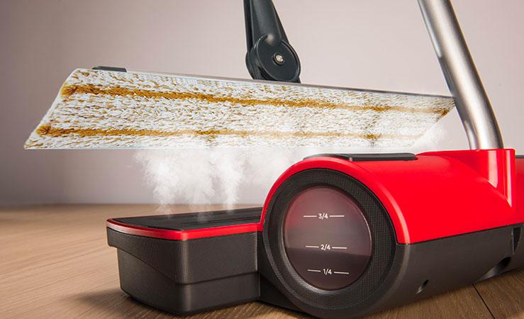 Pulizia pavimenti delicati: come lavare il parquet senza rovinarlo