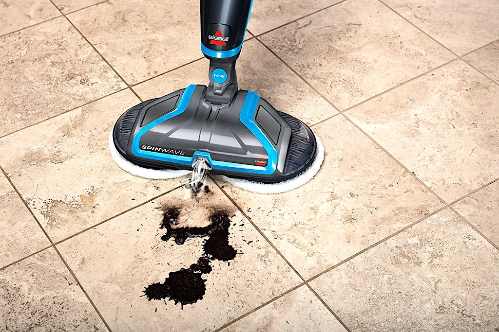 Il mocio elettrico che pulisce i pavimenti e li rende lucidi senza