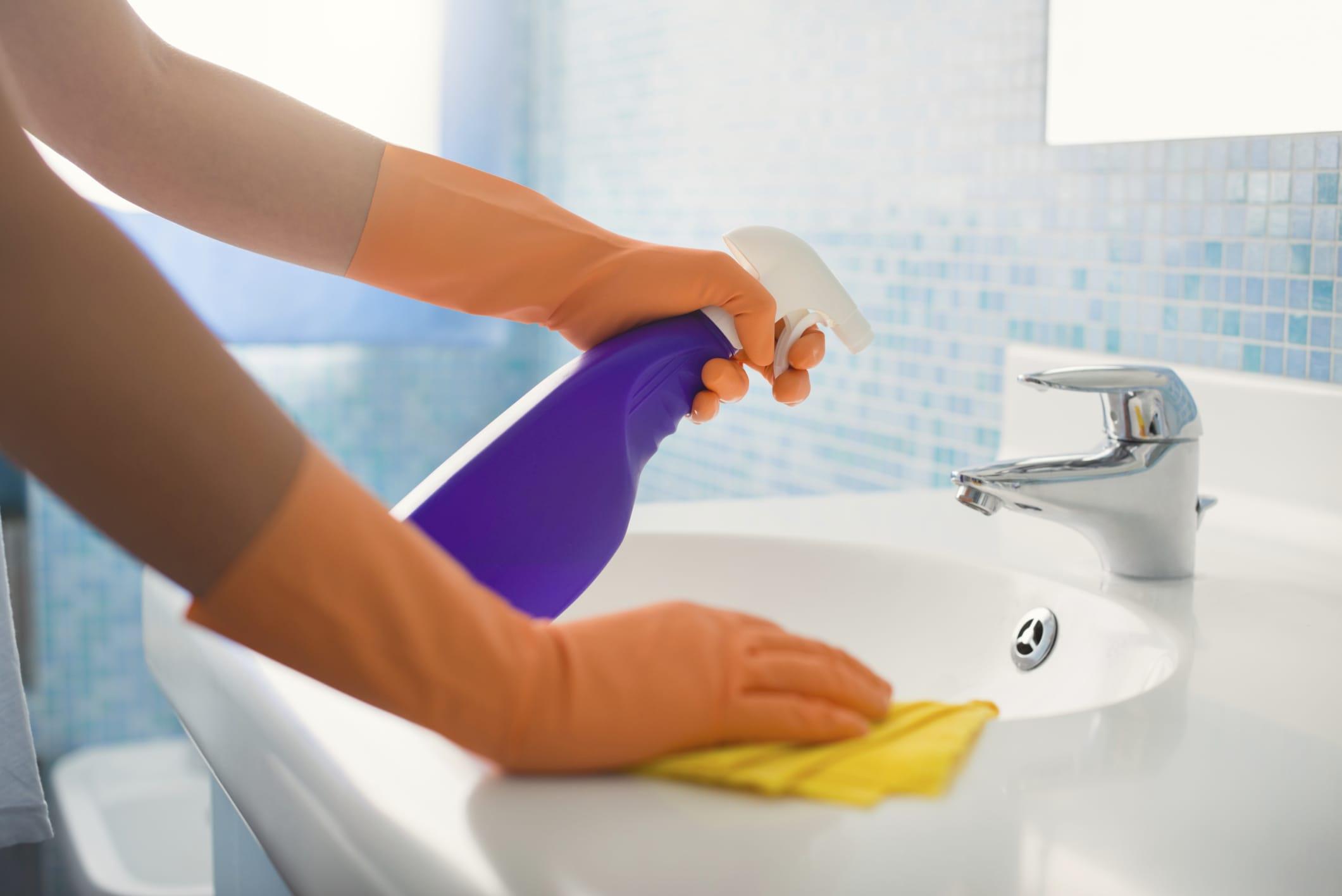 Detersivo fatto in casa per pulire il bagno - Non sprecare